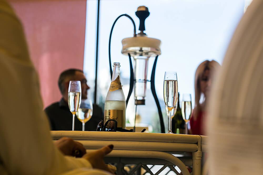 Кальян на терасі в ресторані Prynada на Оболоні